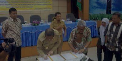 Walikota Pontianak Tanda Tangani MoU Pemberantasan Korupsi Kota Pontianak